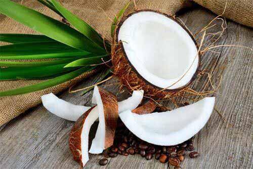 kokosnuss kalorien und inhaltsstoffe der frischen frucht. Black Bedroom Furniture Sets. Home Design Ideas